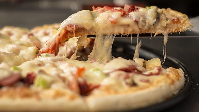 5 Reasons Why Italian Cuisine Is Everyone's Favorite! PIZZA
