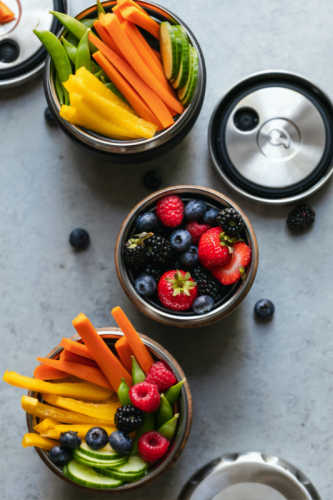 Habits that keep you awake late at night - eat healthy snacks