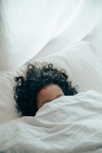 Habits that keep you awake late at night - sleep well in advance