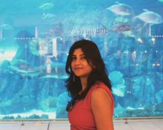 ~ I don't have to be PERFECT; I just have to be ME ~☺💕 #affirmthis 🤗 Okay, now tell me what do you see behind me in this photo?😉😀 #anamikachattopadhyaya #throwbackphoto . . . Place- Dubai Mall, #dubai #uae🇦🇪  . . . . . . . . . #visitdubai❤️ #dubaimallaquarium #dubaimalls #travelwithstyle #styletravel #travelgirlstyle #travelandstyle #travelingstyle #travelbloggeres #travelbloggerindia #luxurytravelblogger #uktravelblogger #femaletravelblogger #ukbloggers #creativegirlgang #bepositive✌ #londres #everythingenchanting #aquariumsofinstagram #travelphotography📷🌍