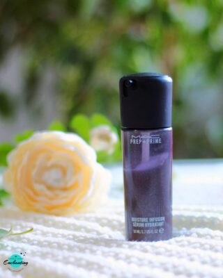 #ontheblog ➡️ Reviewed @maccosmetics Prep +Prime Moisture Infusion Serum Hydratant on #everythingenchanting ☺ Is it worth the try? Do I recommend this product? Find the answers in my blogpost! The link is in the bio 😉❤  . . Have you tried this serum-cum-primer multitasking product? Do not forget to share your experience with me in the comment section below ⬇️🤗
